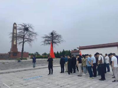 钟祥市畜牧兽医服务中心:走进红色基地  汲取奋进力量