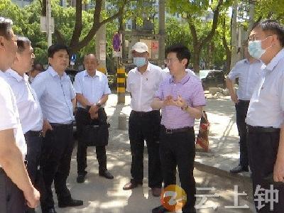 杨小明在郢中茶庵社区调研创城工作