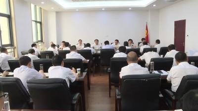 李新桥参加市委八届十次全体(扩大)会议第一组讨论