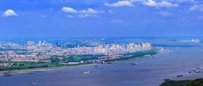 """李新桥:做好""""三强"""",有力有效推进旧城改造项目解困工作"""