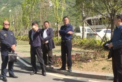 副县长杨四龙检查督办昭君村景区综合环境整治工作