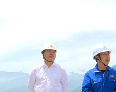 县委常委、常务副县长杨大银带队开展矿山企业安全生产检查