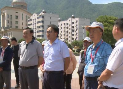 西藏自治区工会干部一行来我县考察