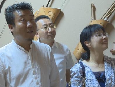 兴山县党政代表团考察呼和浩特市文物古迹