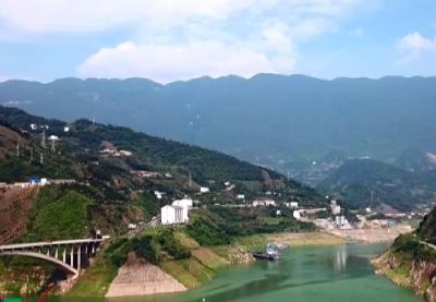 兴山港口码头环境整治工作成效显着   香溪河水碧波荡漾 长江支流风光旖旎