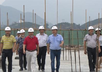 昭君山庄二期工程建设顺利封顶