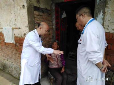 荆门沙洋:家庭医生上门巡诊 健康扶贫爱暖民心