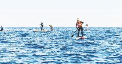 【媒体聚焦】田志斌:桨板横渡琼州海峡