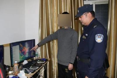 """【我为群众办实事】沙洋警方端掉赌博网站""""代理充值转账""""窝点"""
