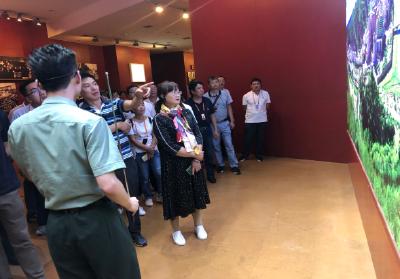 县档案馆开展革命传统教育培训