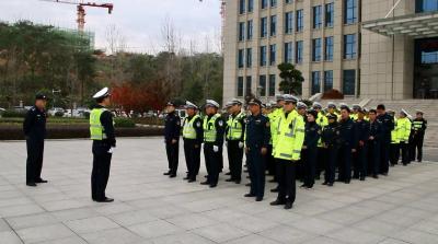 多部门联合执法 集中整治交通秩序