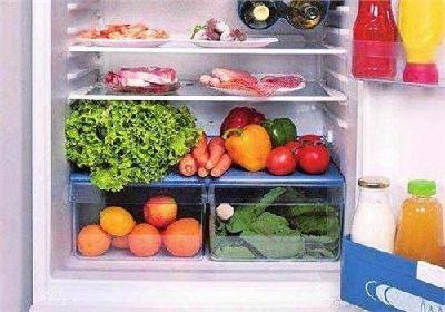 这几种不适合放进冰箱里的蔬菜水果中  你家的冰箱里放了哪些?