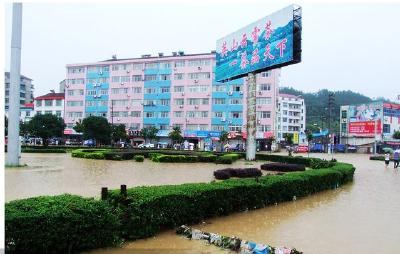 市政工程经受暴雨考验