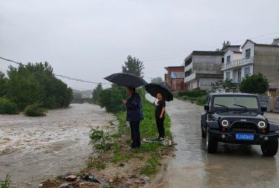 暴雨来袭  英山南河镇积极开展防汛救灾工作