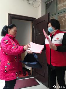 """英山县红会:党员志愿者齐下沉   落实疫情防控""""五个一"""""""