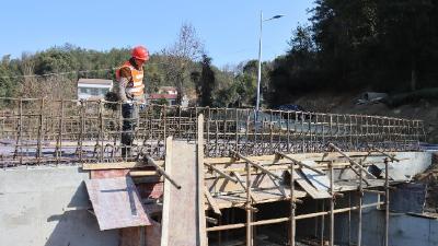 赵家山村民看过来:家门口的大桥就要通车了!
