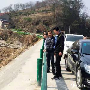 县交运局到农村公路养护工程一线开展新春大走访