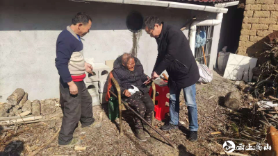英山县总工会走访慰问贫困农户