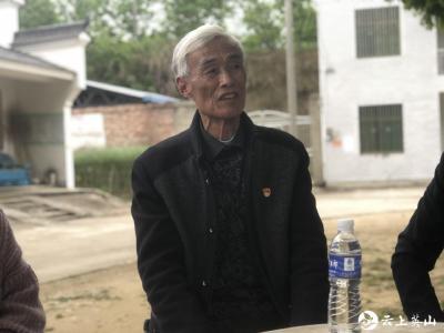 孔家坊乡:绿荫树下话党史 以老带新促成长