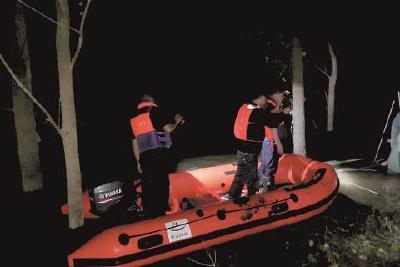 夜巡松滋河 ——记者随禁捕执法队员通宵巡逻