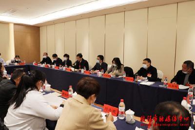 余峰参加仙女、七星台、顾家店代表团分组审议