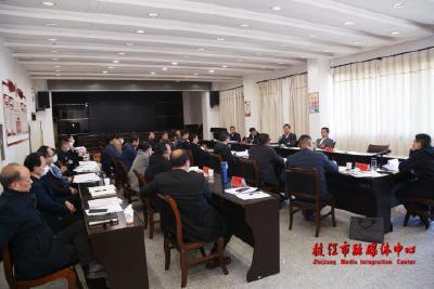 贾立参加市政协经济界别活动组分组讨论时强调:把握大势 坚定信心 共创美好未来