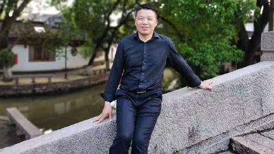 """祝贺!浠水教师李友明获得湖北省第六届""""新锐班主任""""称号"""