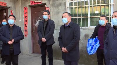 省应急管理厅领导看望宜城部分受灾群众
