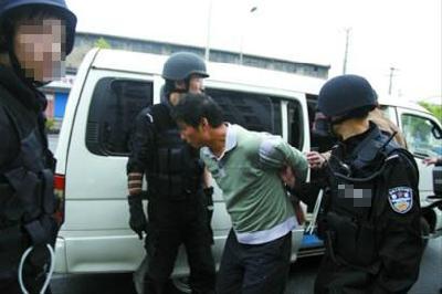 """全警上阵,合成作战,便衣跟踪—— """"反扒风暴""""中,樊城警方抓了26名扒手"""