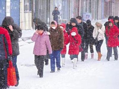 紧急!襄阳明天中到大雪,还有7级大风…寒潮预警已发布!