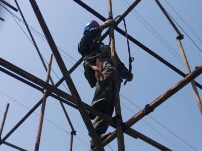 市供电公司筹措1000万资金 对襄樊电厂至顺安变电站之间线路进行改造