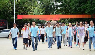 襄阳今年32563人参加高考 五中为最大考点