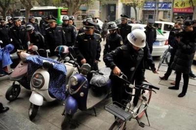 樊城城管启动交通秩序专项整治