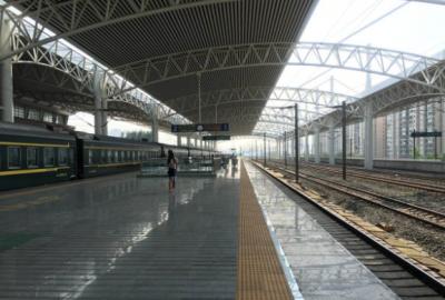 襄阳火车站推出便捷换乘通道 中途换车可以不用出站