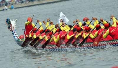 省龙舟大赛6月在襄挥桨
