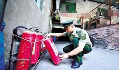 襄阳消防部门突击暗访5家大型商业综合体37处火灾隐患被查