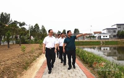 市领导到樊城调研美丽乡村建设等工作