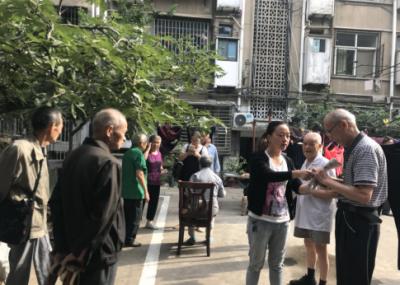 明晶巷社区:认证上门贴心 高龄老人称赞