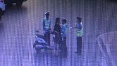 男子交通违法被制止后 用胸顶撞民警被行政拘留