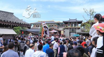 火爆!唐城景区十一期间游客接待量已达10万人次
