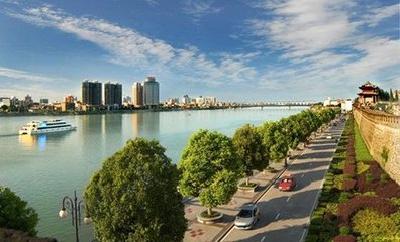 襄城区城管局高效保障国庆期间市容环境整洁有序