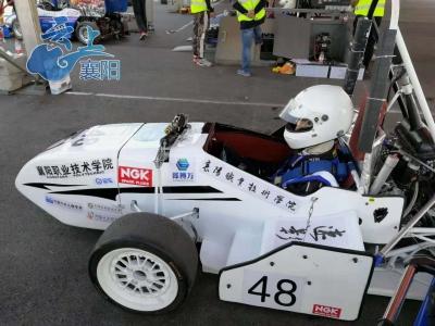 襄阳汽车职业技术学院车队刷新襄阳速度