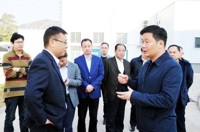 襄城:加快转型升级 加强服务支持 做大工业经济底盘