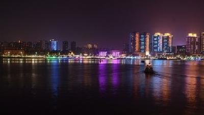 """""""长""""在江中20年 襄阳汉江上最大酒楼被拆除"""