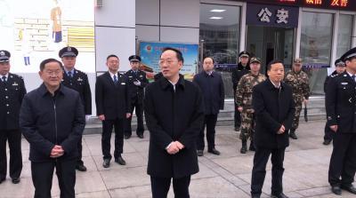 【襄视频】市委书记李乐成慰问一线干部职工