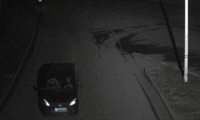 黑的司机撞人后逃逸  50万保险打水漂