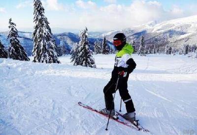 襄阳两女孩入选国家滑雪集训队