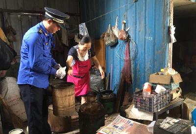 洪家沟社区:经营性小煤炉整治在行动