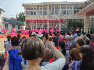 """麒麟社区开展""""迎端午、包粽子、送温暖""""传统节日群众文化活动"""