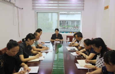 襄城区法院到慧苑社区开展扫黑除恶专题座谈会